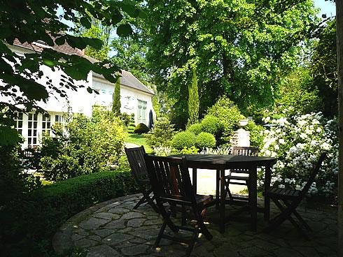 Week end romantique en amoureux autour de paris week end romantique en maison d hote et gite de - Table jardin romantique fort de france ...